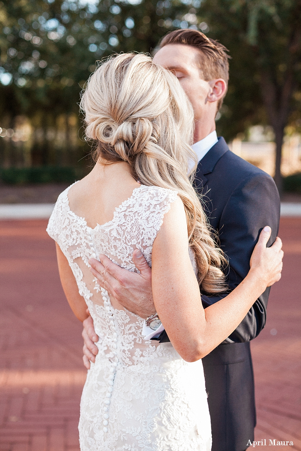 5 Of The Best Hairstyles For Stunning 2017 Wedding Photos St